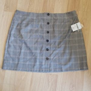 Forever 21+ grey and black plaid skirt 2x